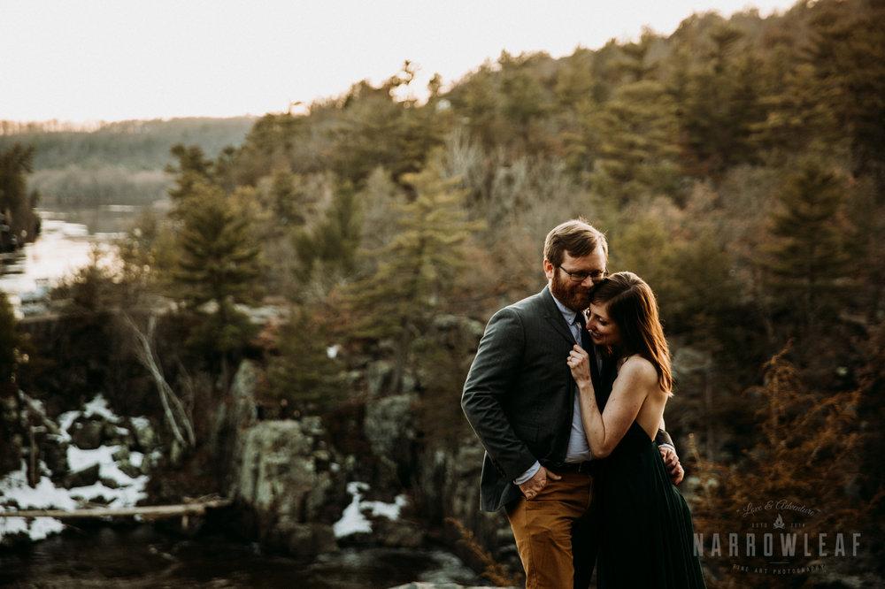 Spring-moody-wisconsin-woodsy-elopement-NarrowLeaf_Love_&_Adventure_Photography-9256.jpg