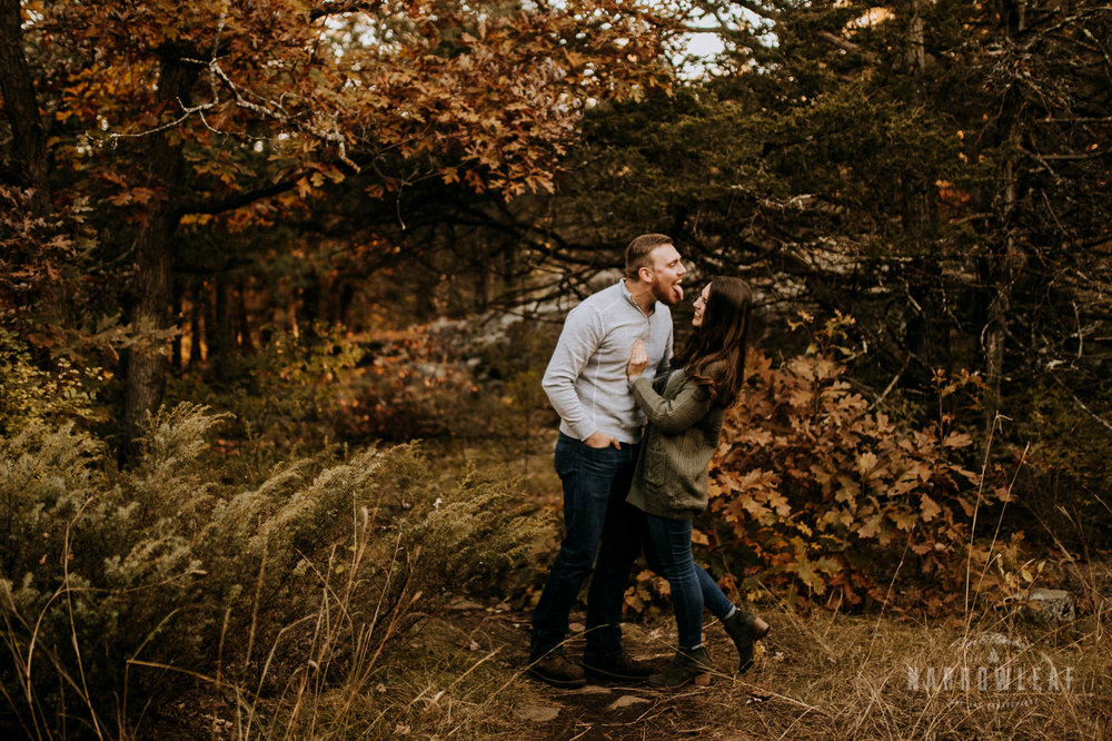 organic-woodsy-vibes-engagement-photos-in-Wisconsin-interstate-park-Narrowleaf_Love_and_Adventure_Photography-7935.jpg