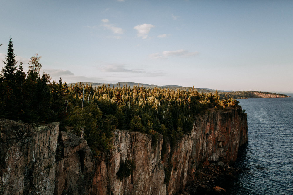 Palisade-Head-Northern-MN-overlook-Engagement-pics-moody-Narrowleaf-love-and-adventure-photography-0826.jpg