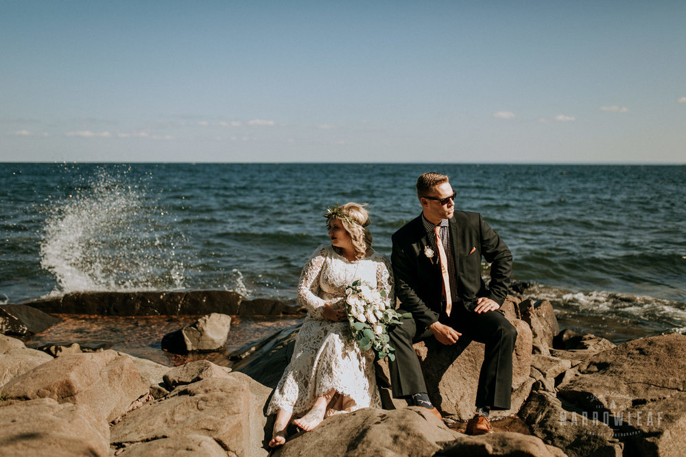 Duluth-MN-adventure-elopement-Kitchi-Gammi-Park-on-lake-superior-Narrowleaf-love-and-adventure-photography-3.jpg