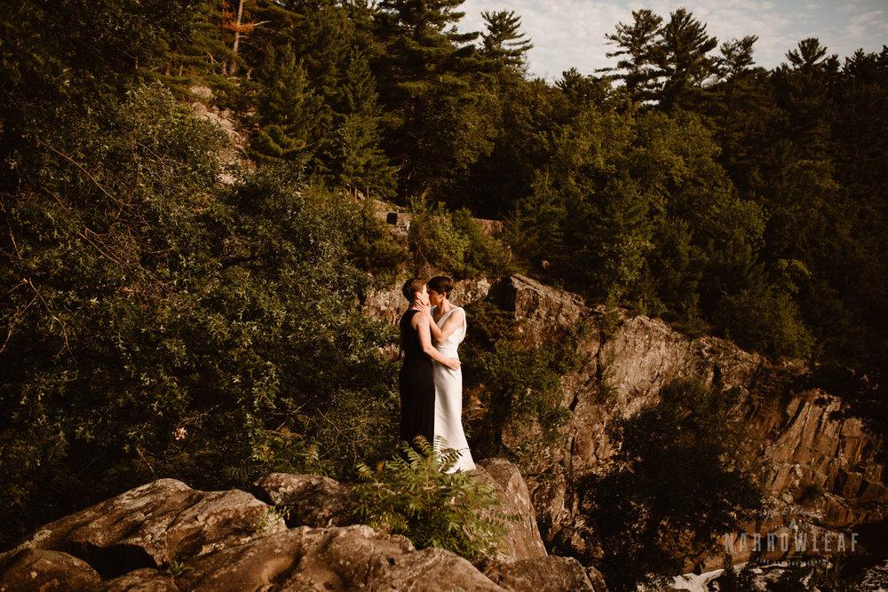 Interstate-Park-Taylors-Falls-Minnesota-Elopement-Photographer-Narrowleaf_Love_and_Adventure_Photography-3653.jpg