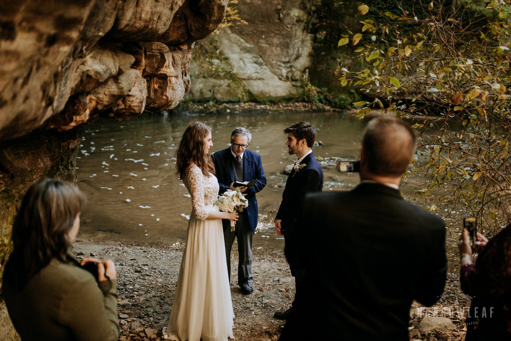 Perrot-State-Park-Baraboo-Wisconsin-Fall-adventure-hiking-Elopement-Narrowleaf_Love_and_Adventure_Photography-0084.jpg
