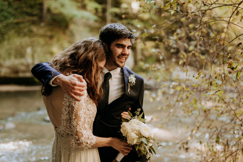 Perrot-State-Park-Baraboo-Wisconsin-Fall-adventure-hiking-Elopement-Narrowleaf_Love_and_Adventure_Photography-0175.jpg