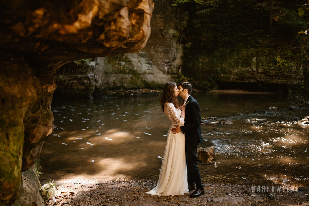 Perrot-State-Park-Baraboo-Wisconsin-Fall-adventure-hiking-Elopement-Narrowleaf_Love_and_Adventure_Photography-0621.jpg