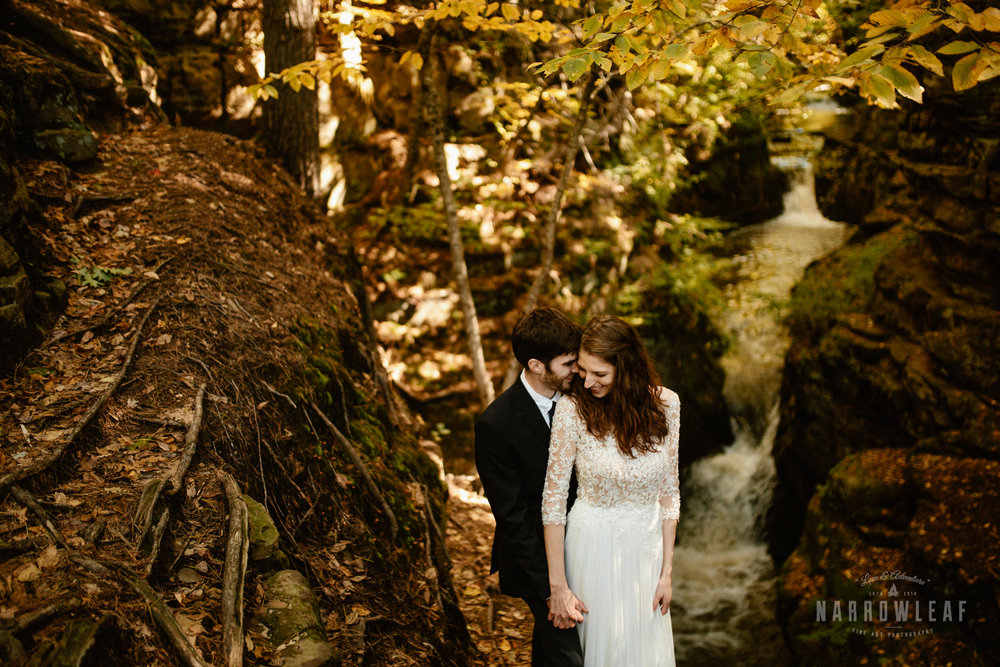 Perrot-State-Park-Baraboo-Wisconsin-Fall-adventure-hiking-Elopement-Narrowleaf_Love_and_Adventure_Photography-0847.jpg