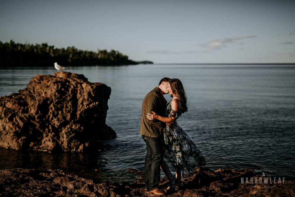 minnesota-hiking-engagment-photographer-north-shore-two-harbors-Narrowleaf_Love_and_Adventure_Photography-2690.jpg