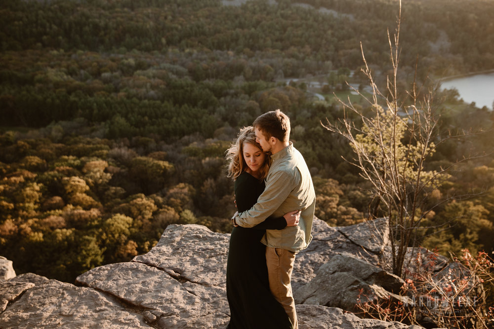 WI-sunset-hiking-engagement-photography-devils-lake-state-park-Narrowleaf_Love_and_Adventure_Photography-1331.jpg