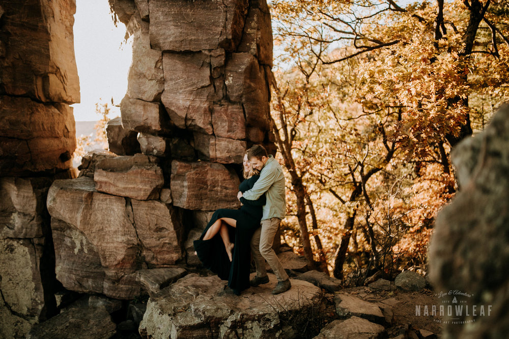 wisconsin-hiking-engagement-photographer-devils-doorway-rock-formation-Narrowleaf_Love_and_Adventure_Photography-0773.jpg