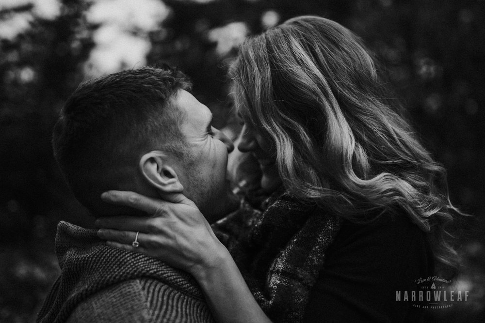 wisconsin-winter-adventure-engagement-in-the-woods-Narrowleaf_Love_and_Adventure_Photography-0316.jpg