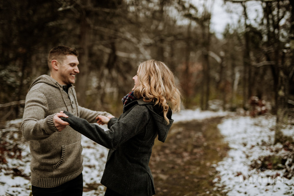 wisconsin-winter-adventure-engagement-in-the-woods-Narrowleaf_Love_and_Adventure_Photography-1805.jpg