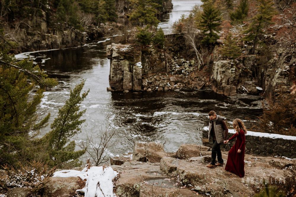 wisconsin-winter-adventure-engagement-interstate-park-bluffs-Narrowleaf_Love_and_Adventure_Photography-1590.jpg