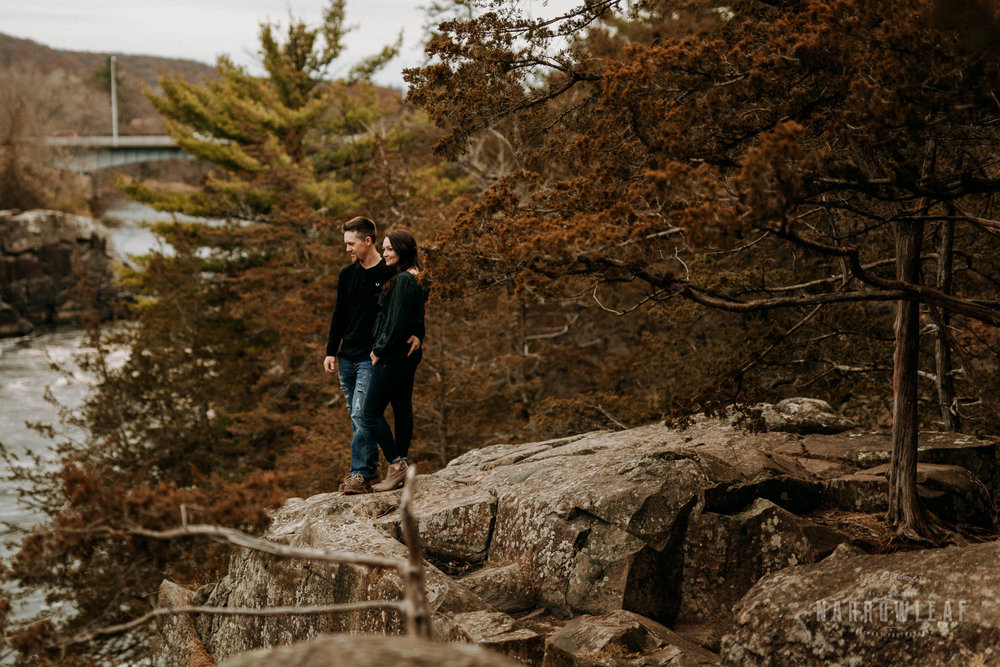 wisconsin-engagement-photographer-Narrowleaf_Love_and_Adventure_Photography-0264.jpg