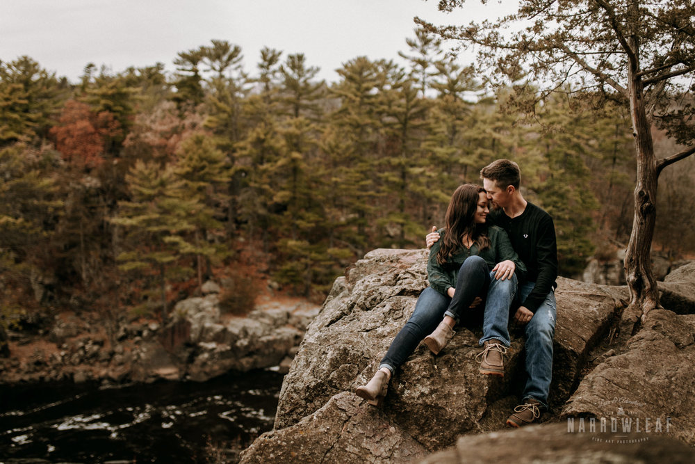 wisconsin-engagement-photographer-Narrowleaf_Love_and_Adventure_Photography-0985.jpg