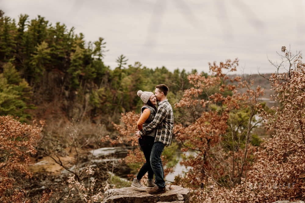 wisconsin-fall-adventure-engagement-Narrowleaf_Love_and_Adventure_Photography-0139.jpg
