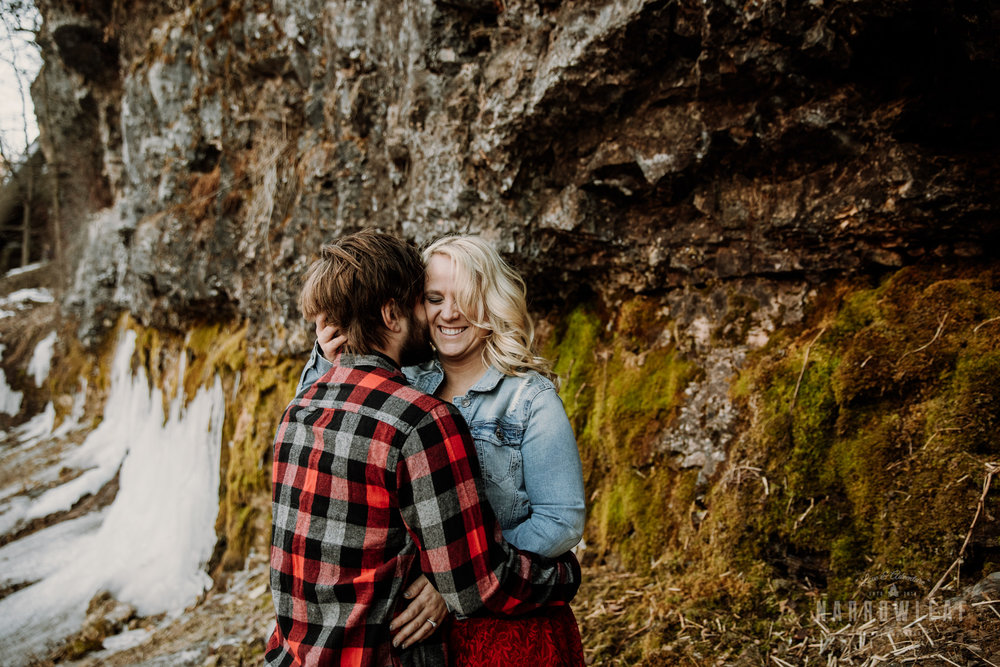 willow-falls-winter-engagement-photos-Narrowleaf_Love_and_Adventure_Photographer-100.jpg