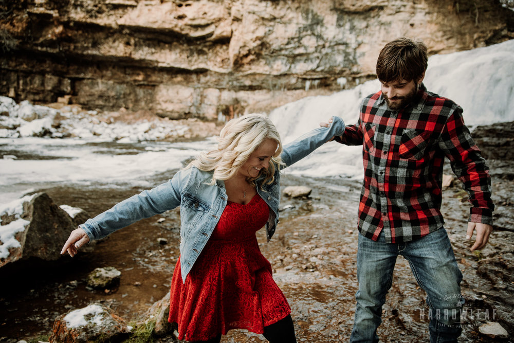 willow-falls-winter-engagement-photos-Narrowleaf_Love_and_Adventure_Photographer-163.jpg