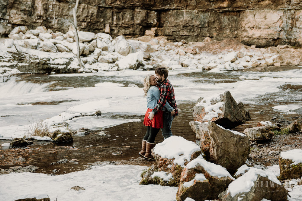 willow-falls-winter-engagement-photos-Narrowleaf_Love_and_Adventure_Photographer-170.jpg