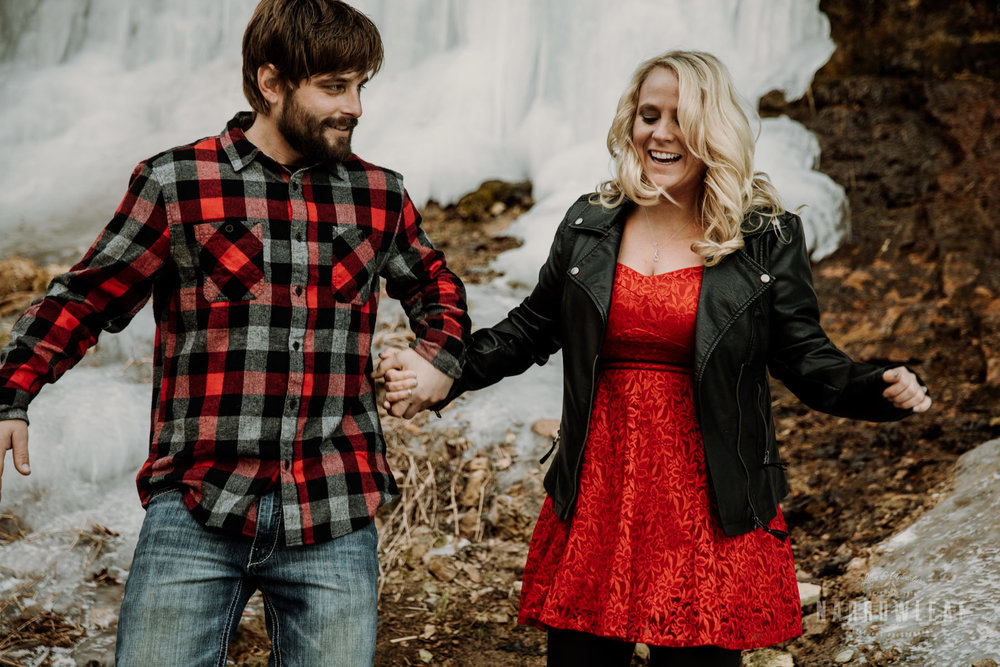 willow-falls-winter-engagement-photos-Narrowleaf_Love_and_Adventure_Photographer-192.jpg
