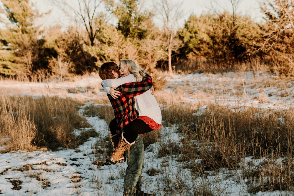 willow-falls-winter-engagement-photos-Narrowleaf_Love_and_Adventure_Photographer-222.jpg