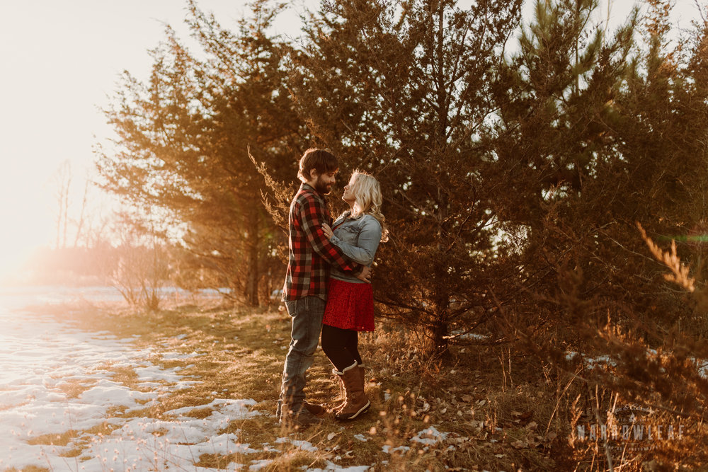 willow-falls-winter-engagement-photos-Narrowleaf_Love_and_Adventure_Photographer-290.jpg