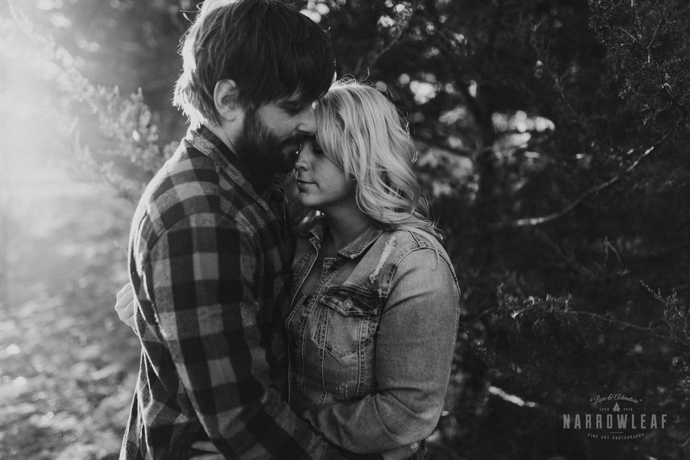 willow-falls-winter-engagement-photos-Narrowleaf_Love_and_Adventure_Photographer-300.jpg