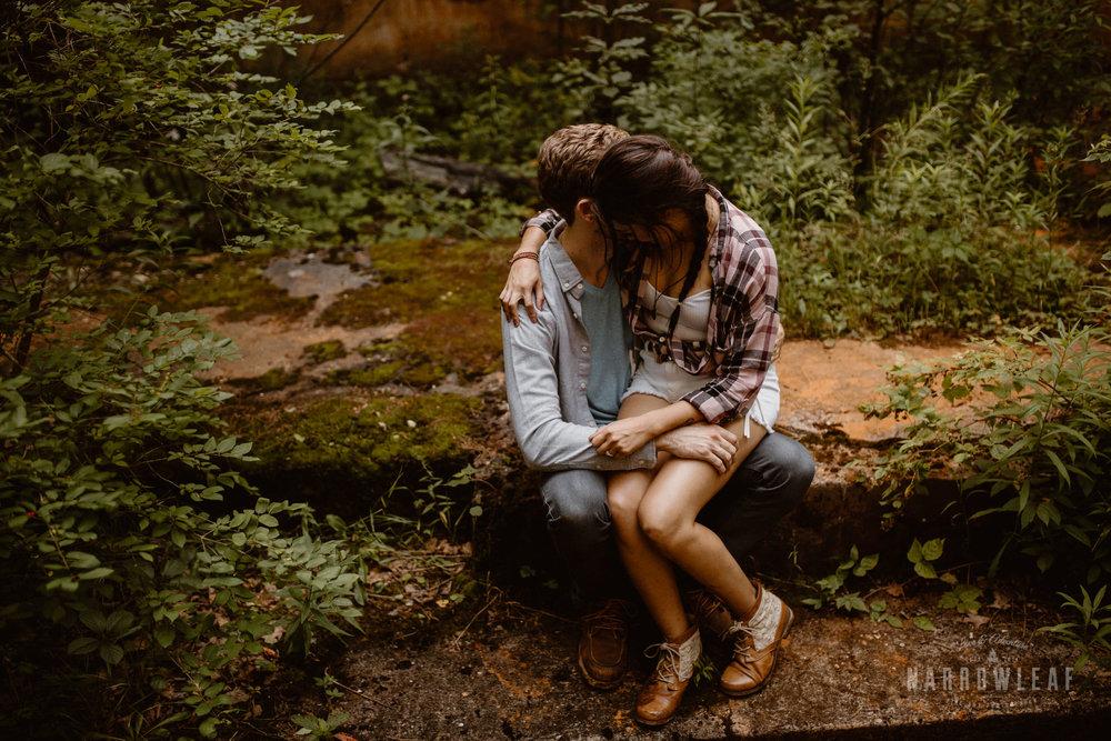 minnesota-hiking-engagement-photos-Narrowleaf_Love_and_Adventure_Photographer-9077.jpg
