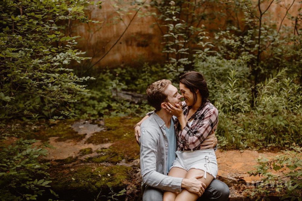 minnesota-hiking-engagement-photos-Narrowleaf_Love_and_Adventure_Photographer-9103.jpg