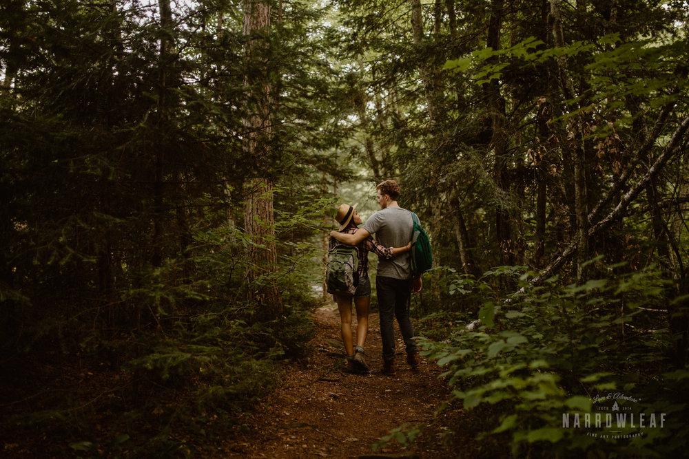 minnesota-hiking-engagement-photos-Narrowleaf_Love_and_Adventure_Photographer-9472.jpg