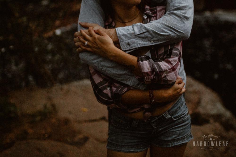 minnesota-hiking-engagement-photos-Narrowleaf_Love_and_Adventure_Photographer-9785.jpg