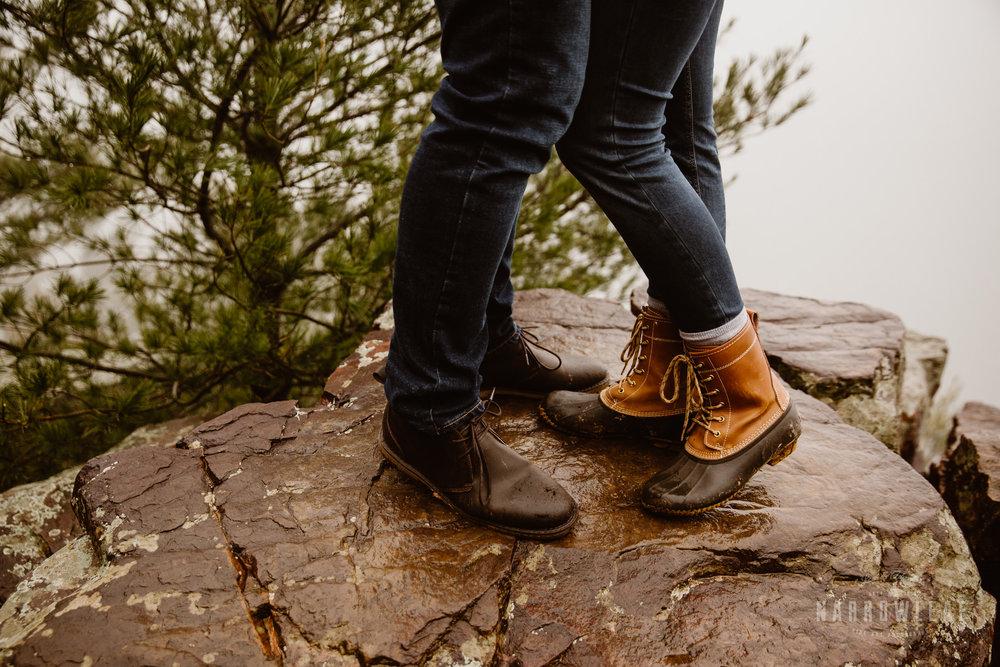 foggy-hiking-engagement-photos-Narrowleaf_Love_and_Adventure_Photographer-3235.jpg