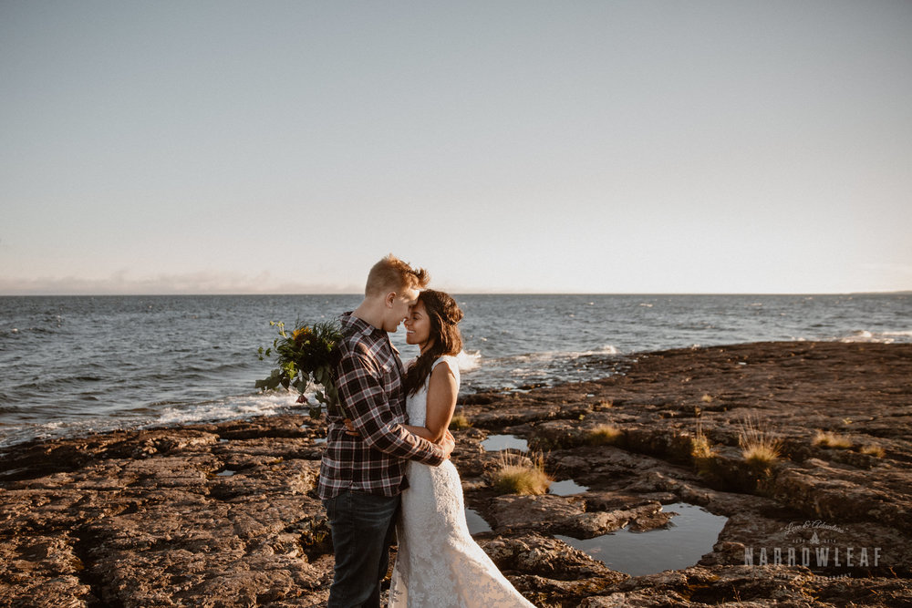 two-harbors-Elopement-photographer-Narrowleaf_Love_and_Adventure_Photography-1646.jpg