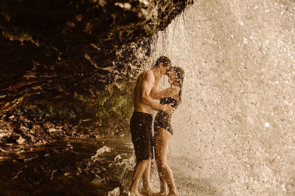 Wisconsin-waterfall-engagement-photographer-Narrowleaf_Love_and_Adventure_Photography-1208.jpg