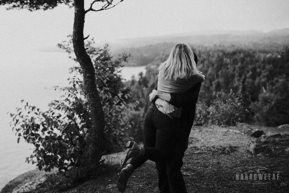 Minnesota-Hiking-Engagement-Photographer-Narrowleaf_Love_and_Adventure_Photography-Tettegouche-State-Park-6282.jpg