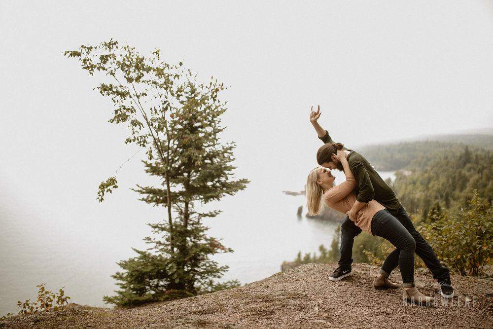 Minnesota-Hiking-Engagement-Photographer-Narrowleaf_Love_and_Adventure_Photography-Tettegouche-State-Park-6356.jpg