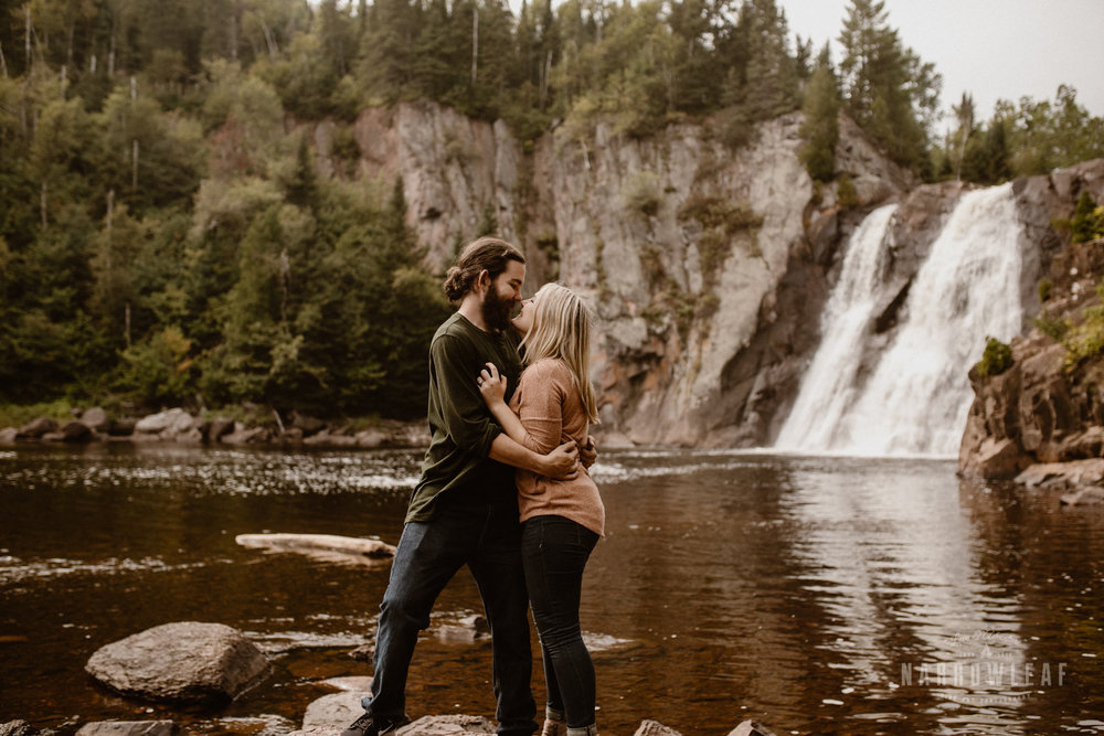 Minnesota-Hiking-Engagement-Photographer-Narrowleaf_Love_and_Adventure_Photography-Tettegouche-State-Park-7298.jpg
