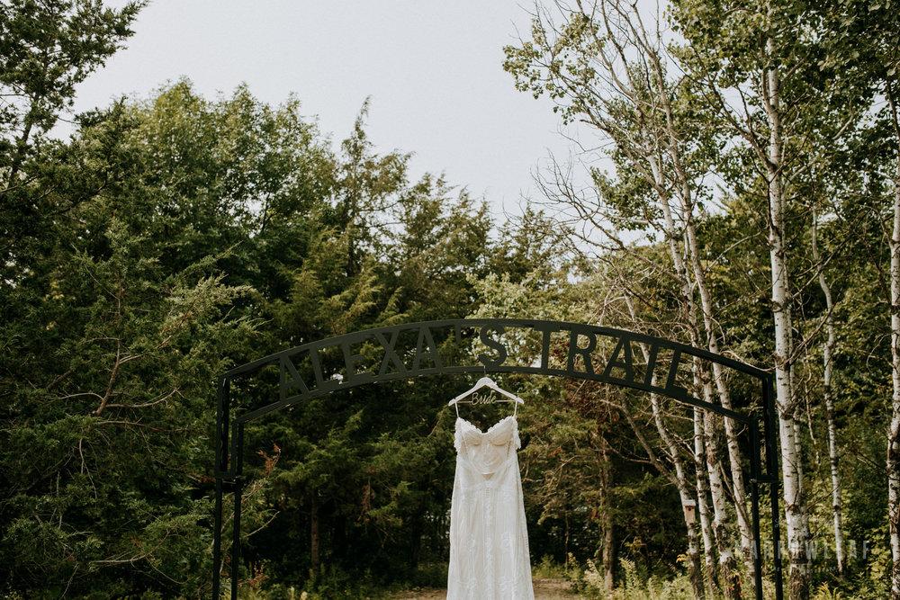 wisconsin-wedding-photographer-Narrowleaf_Love_and_Adventure_Photography-1655.jpg
