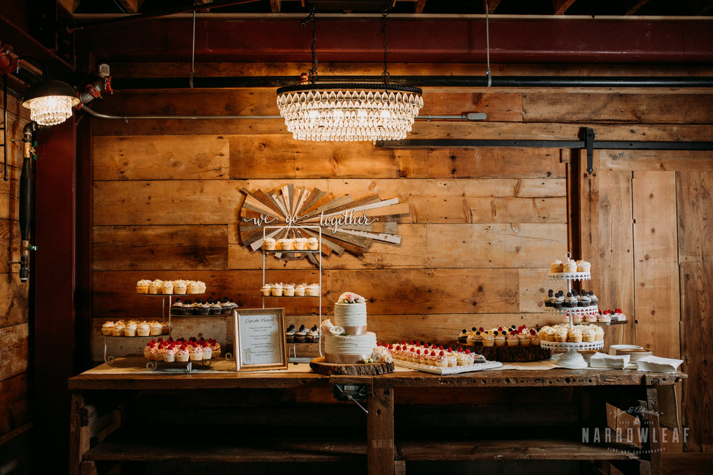 John-P-Furber-Farm-Minnesota-wedding-photographer-Narrowleaf_Love_and_Adventure_Photography-7672.jpg