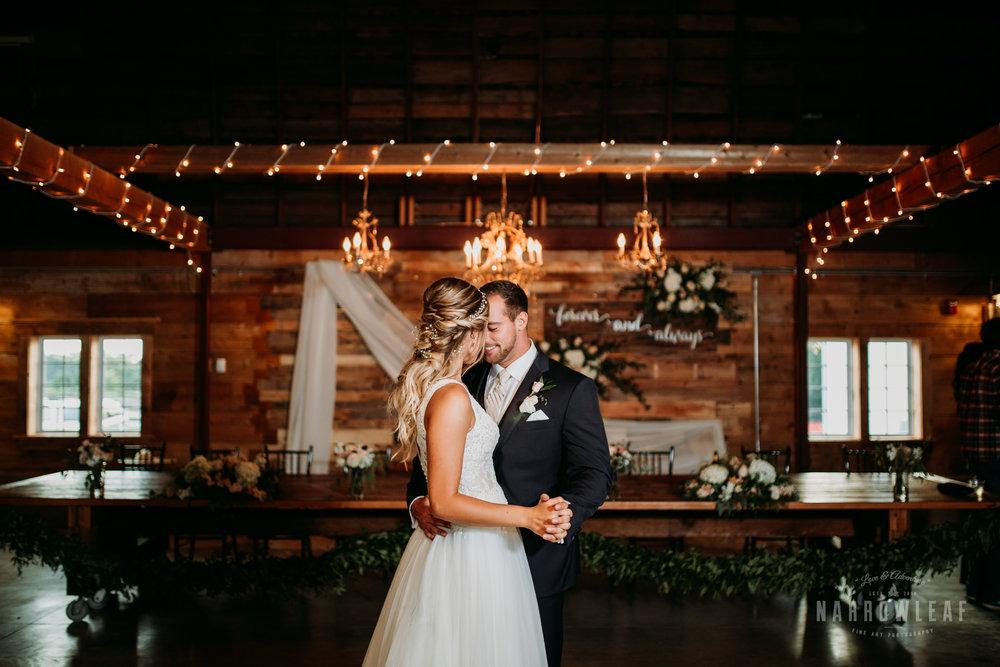 John-P-Furber-Farm-Minnesota-wedding-photographer-Narrowleaf_Love_and_Adventure_Photography-9519.jpg