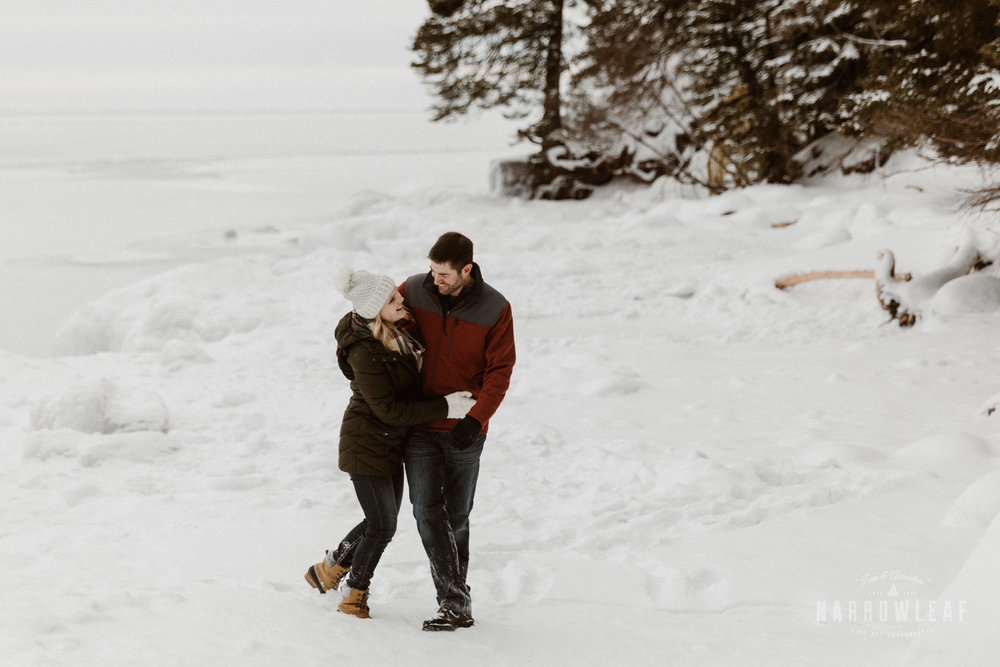 North-Shore-Minnesota-winter-Engagement-photos-Narrowleaf-Adventure-Photography-9050.jpg