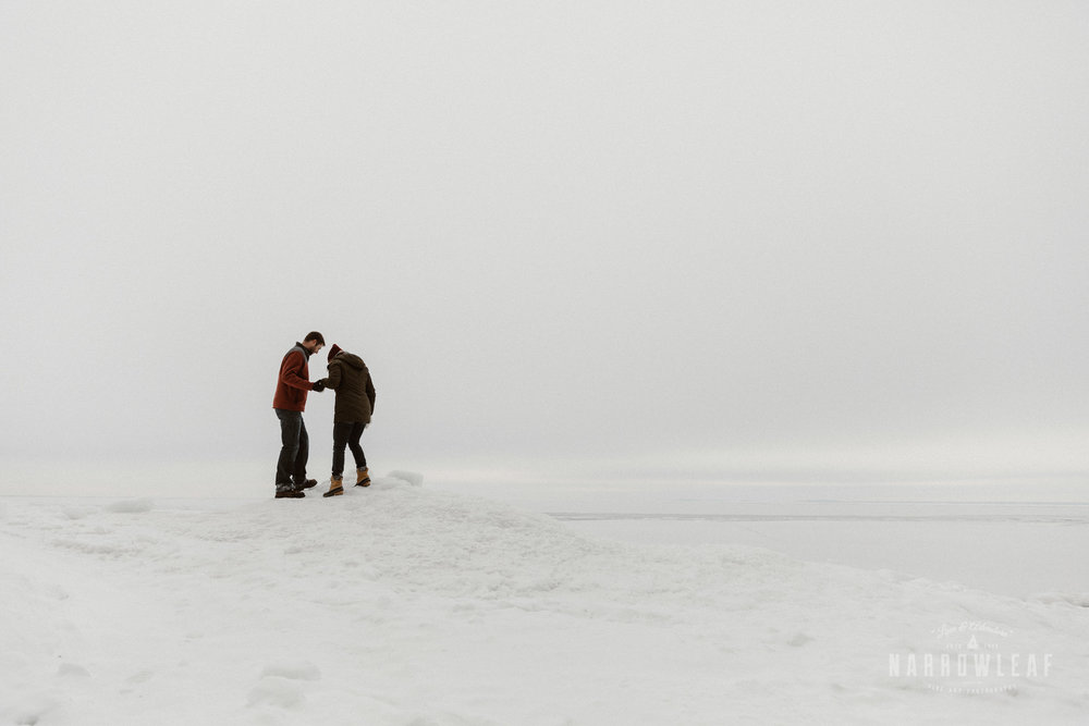 North-Shore-Minnesota-winter-Engagement-photos-Narrowleaf-Adventure-Photography-9755.jpg