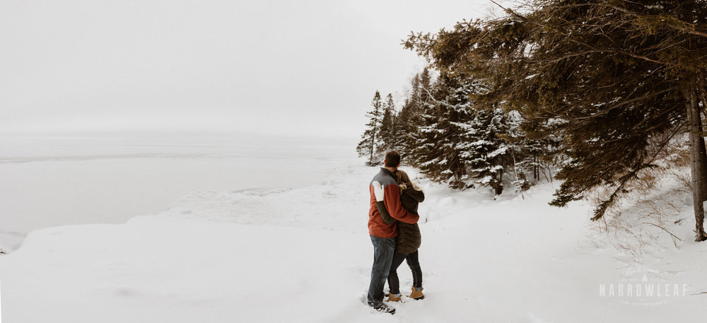 North-Shore-Minnesota-winter-Engagement-photos-Narrowleaf-Adventure-Photography-.jpg