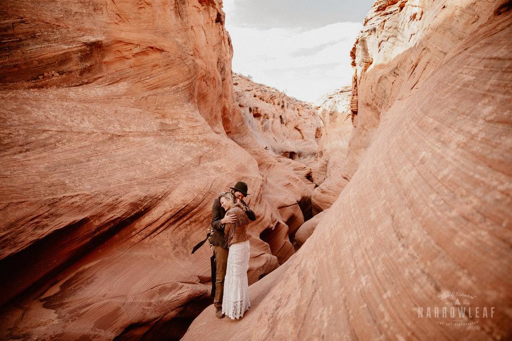 boho-adventure-elopement-photographer-in-Page-Arizona-canyon.jpg
