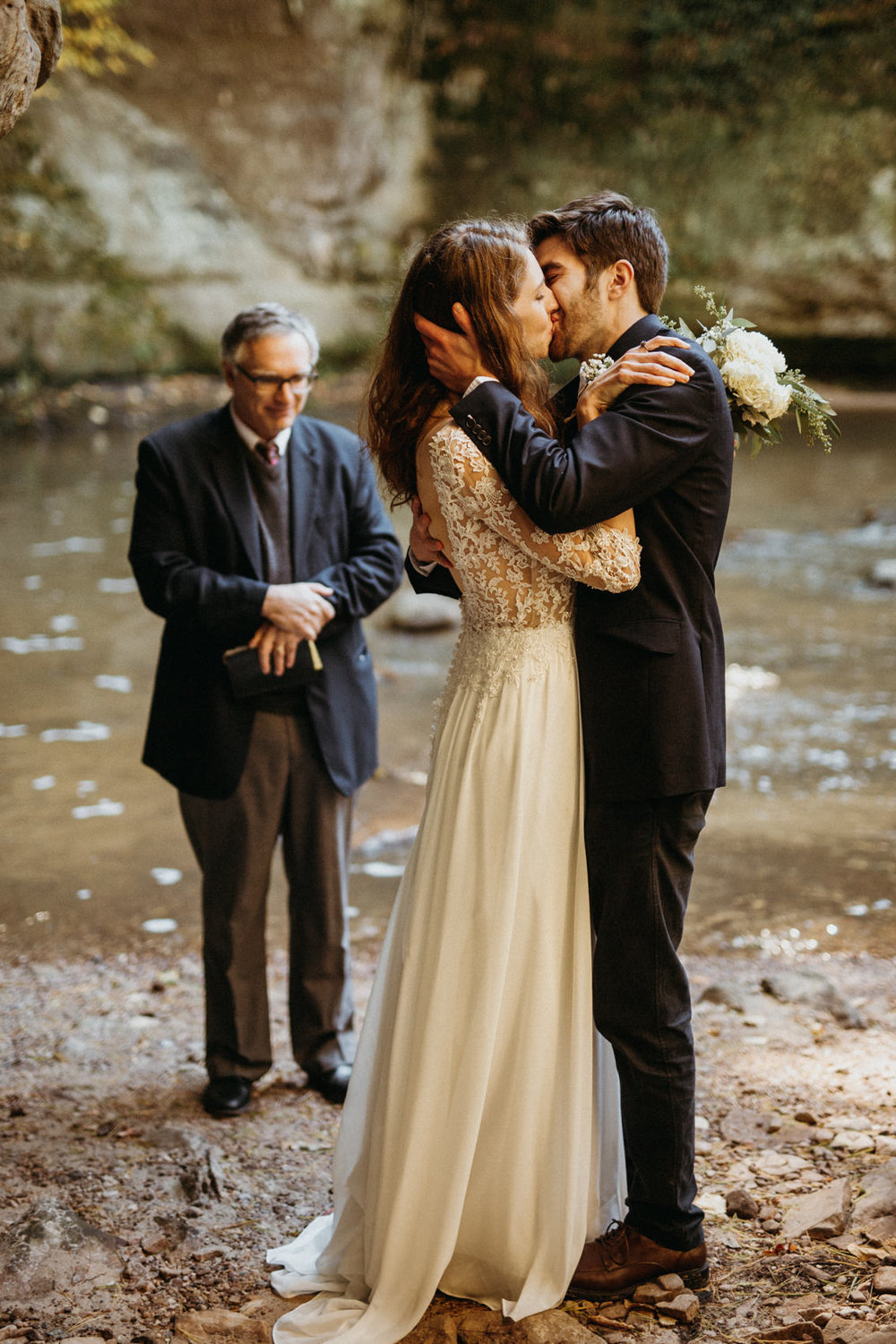wisconsin-elopement-photographer-at-pewitts-nest.jpg
