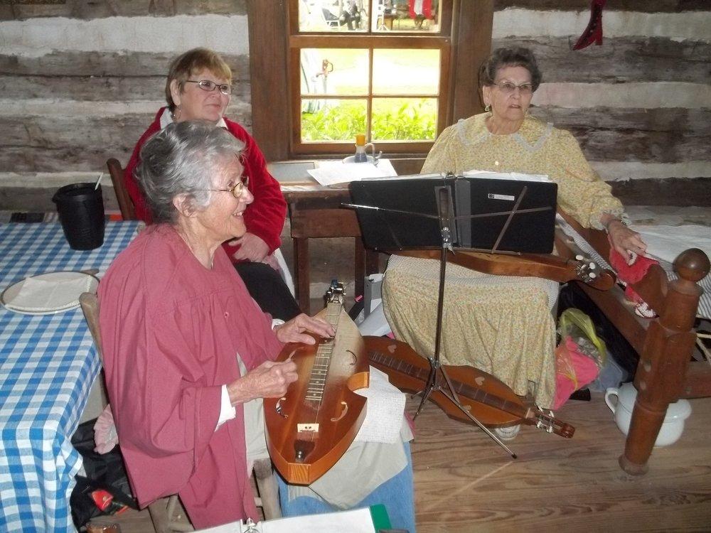 april 2012 civil war days at heritage homested 035.jpg