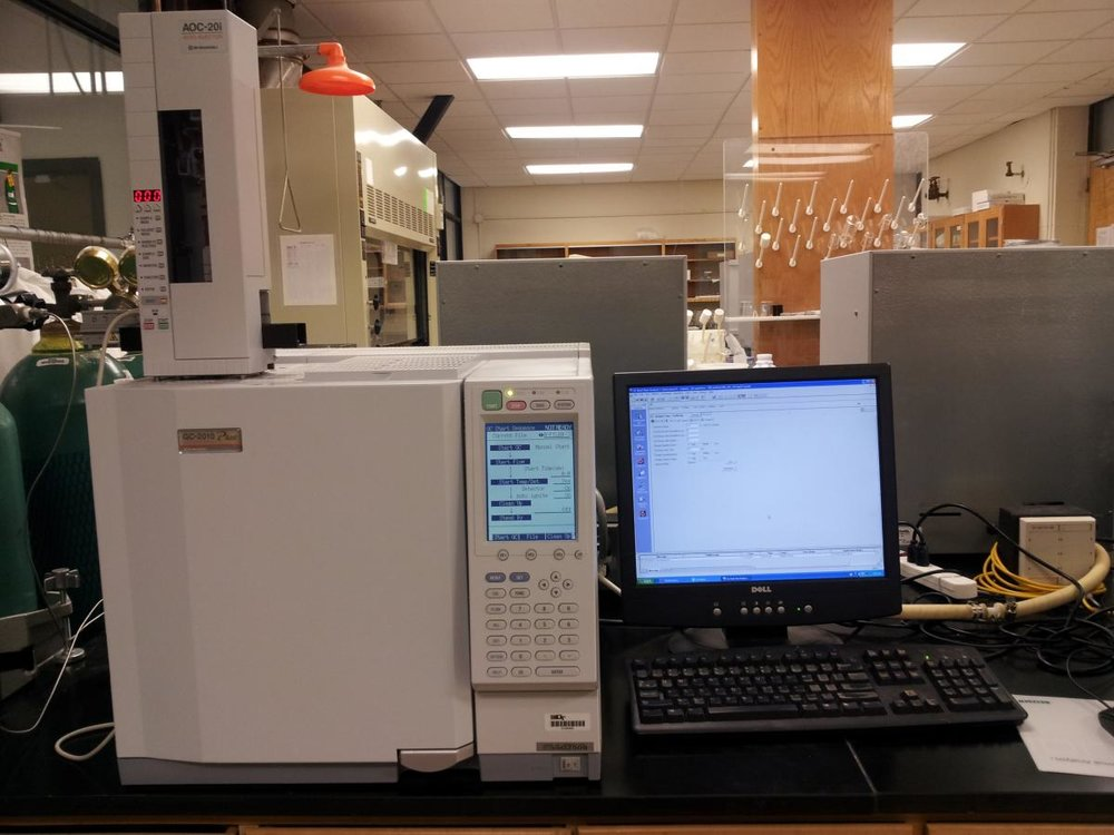 Shimadzu Gas Chromatograph - Includes autosampler and flame ionization detector