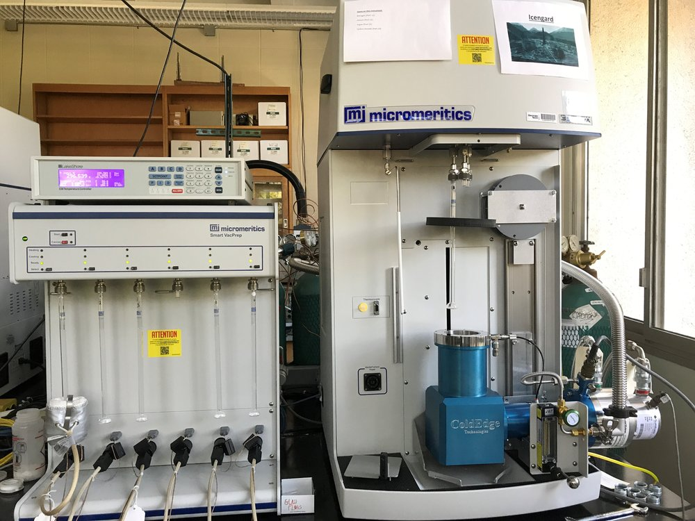 Micromeritics 3Flex - Walton Labs have two 3Flex instruments. One is equipped with cryostat and is capable of adsorption measurements at cryogenic temperatures. 3 ports per instrument allow multiple samples to be tested at the same time.
