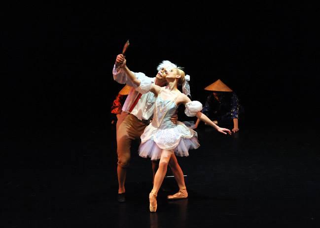 Dancers: Michael Wiedner & Sarah Brower   Photo: Jon Radway