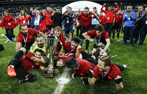 Turkey's national amputee football team celebrate their victory in the European Championship (Photo courtesy of  Daily Sabah )