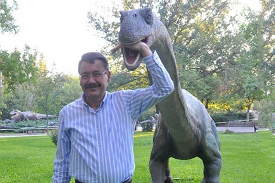 By 2015 Melih Gokcek had allegedly already  spent $3.2m  of taxpayer money on dinosaur statues for Ankapark - his amusement park project. (Photo courtesy of  Evrensel ).
