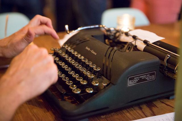 idean-typewriter.jpg